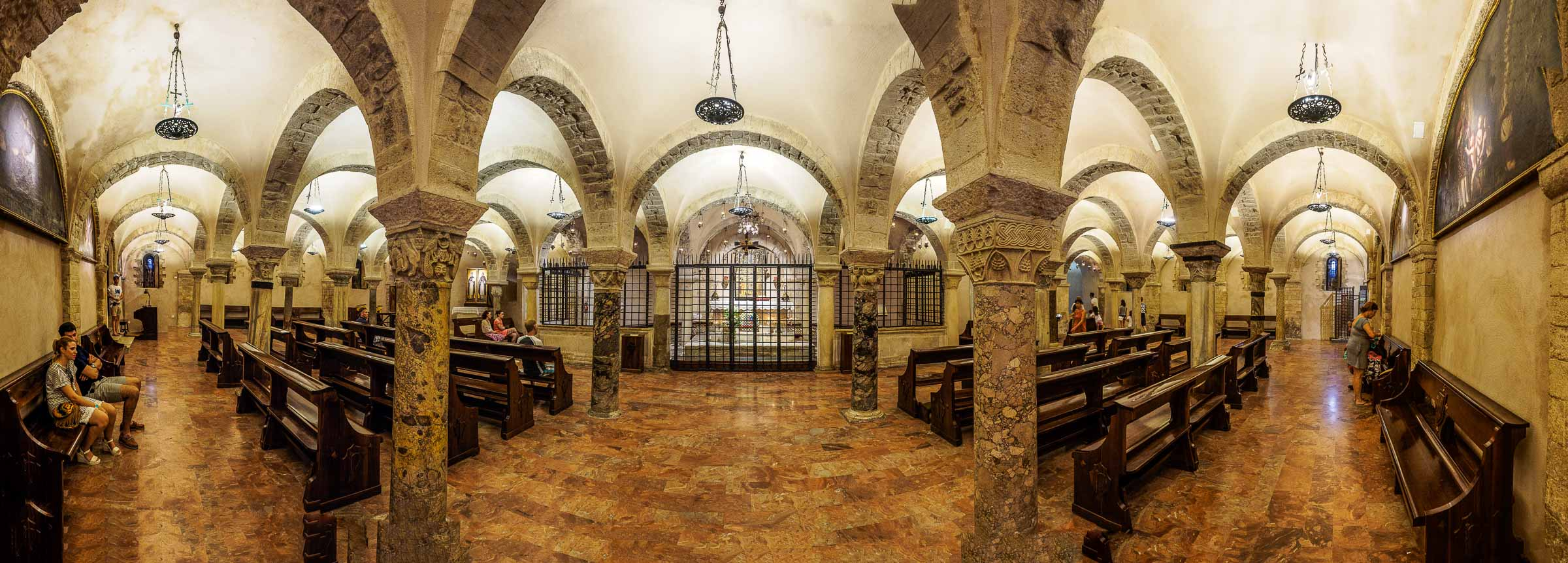 Bari Church Inside