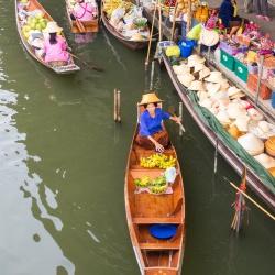 Damnoen Saduak Floating Market-1