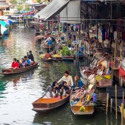 Damnoen Saduak Floating Market-2