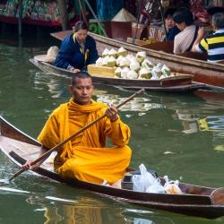 Damnoen Saduak Floating Market-3