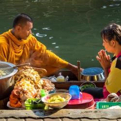 Damnoen Saduak Floating Market-5