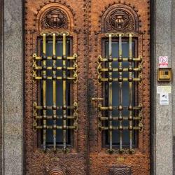 Doors along the Danube_11