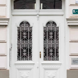 Doors along the Danube_12