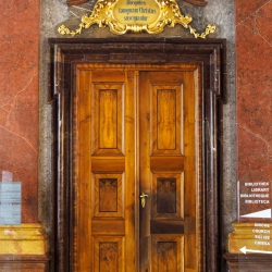 Doors along the Danube_15